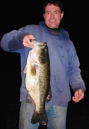 The author caught this 9-pound, 6-ounce largemouth on a 9-inch dark trout MS Slammer in November.