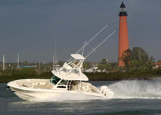 Boston Whaler Outrage 380 triple Mercury Verado engines