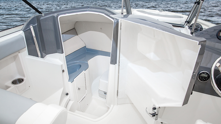 boat head striper boats introduces new 200 dual console on the water