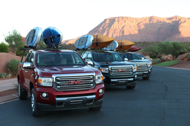 GMC Canyon Kayaks on top