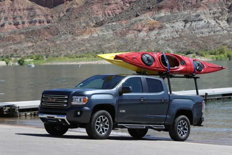 GMC Canyon Launching Kayaks
