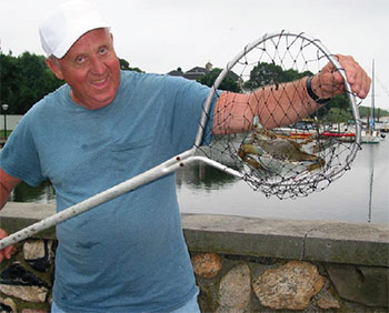 This lucky crabber scapped a keeper