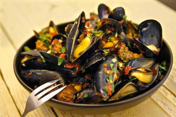 Steamed Mussels Portugese