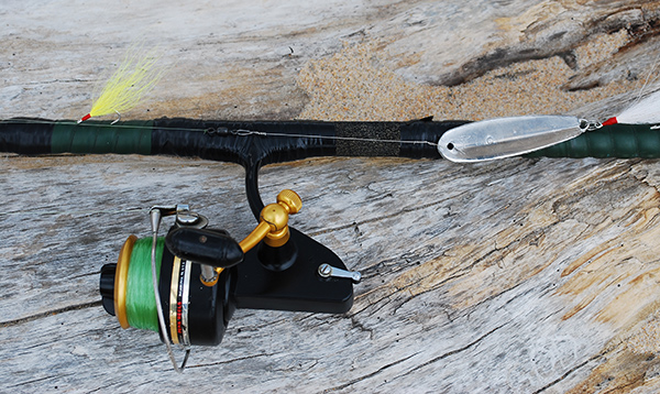 A tin lure with a single hook makes a simple, long-casting trailer.