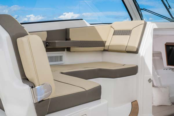 Pursuit DC365 seating