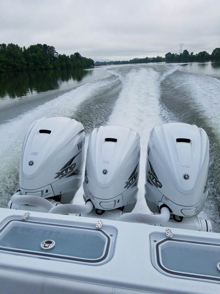 New Yamaha V8 XTO Offshore Outboard - On The Water