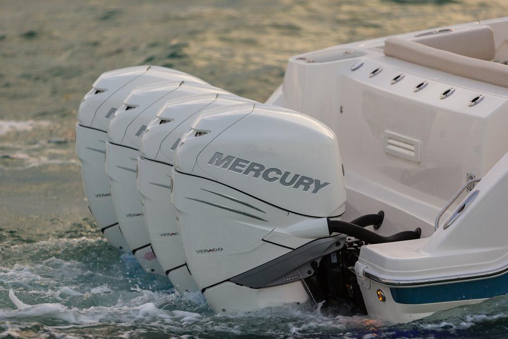 Boston Whaler 420 Outrage Mercury engines