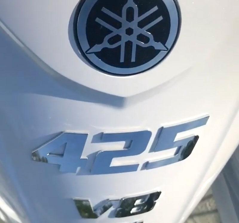 Yamaha 425 Close Up