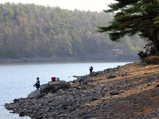 Saugatuck Reservoir anglers