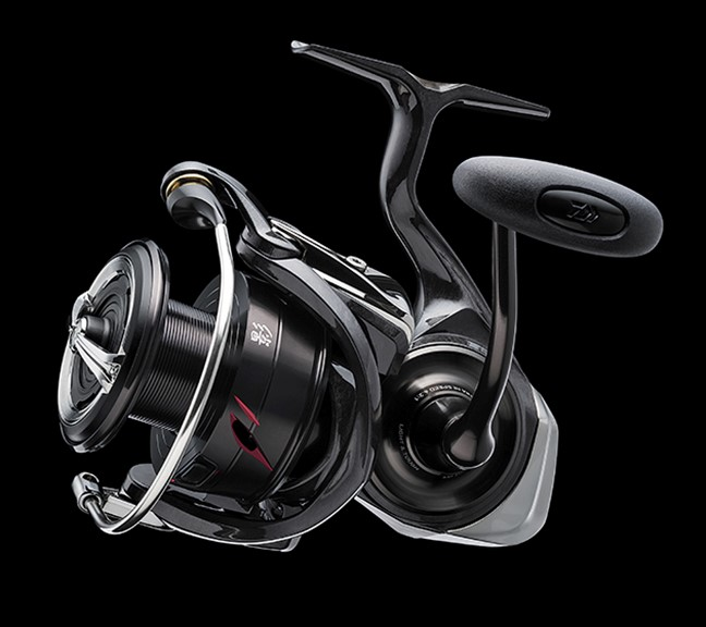The DAIWA Kage LT MQ provides comfort and durability for freshwater and saltwater.