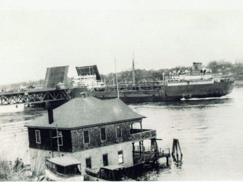 The old Weetamoe Yacht Club.