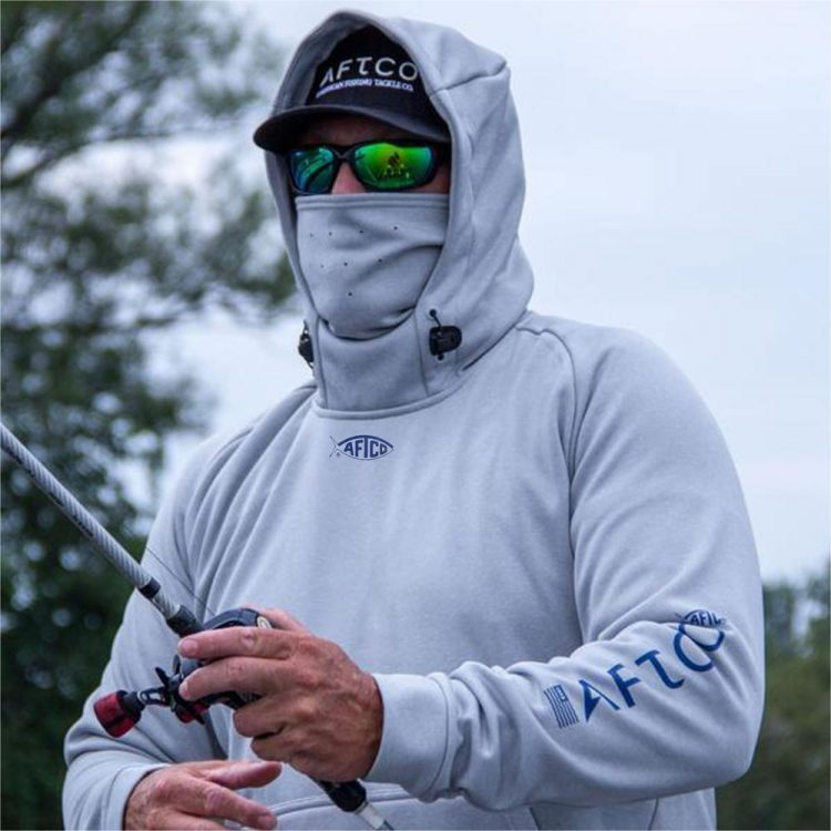 The AFTCO Reaper Sweatshirt features microfleece fabric, AFGUARD stain release technology, and a shock cord for a snug fit on your face.